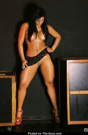 Andressa Soares - nude latina brunette picture