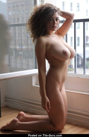 Leila Lowfire - Alluring German Babe with Magnificent Bald Natural Med Boobies (Sexual Pic)