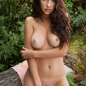 Jennifer L - hot girl with medium natural boob picture
