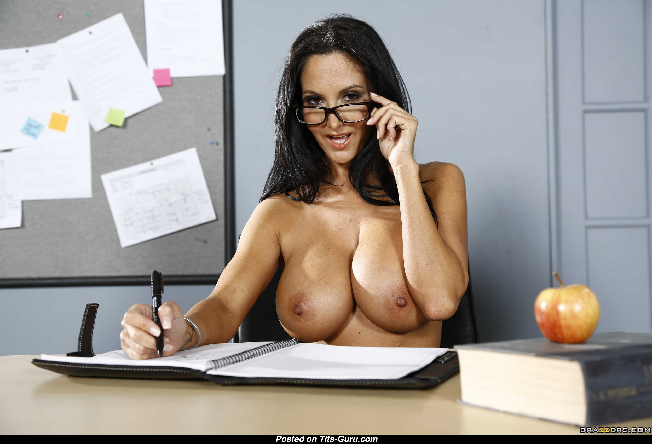 Nerd Boobs Porn babe & nerd with nude c size boobs porn photoshoot [20.06