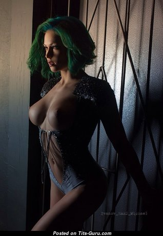 Fine Topless Female (Sex Image) #topless #boobs #tits #nude #erotic #сиськи #голая #эротика #titsguru