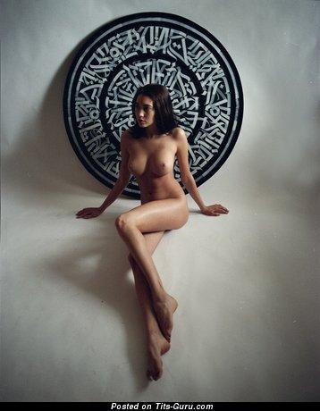 Image. Naked awesome girl with medium breast image