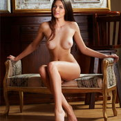 Arianna - brunette with medium natural tittes picture
