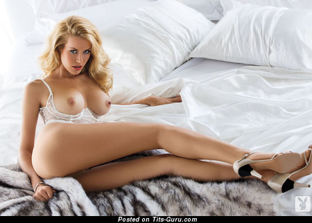Image. Kennedy Summers - nude blonde with big boob picture