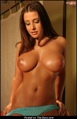Image. Erica Campbel - sexy naked hot woman with medium natural tittys picture