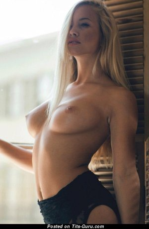 Image. Sexy blonde with natural tittes image