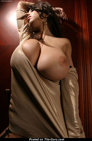 Naked brunette with huge tittes picture