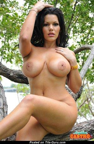 Angelina Castro - sexy naked beautiful female pic