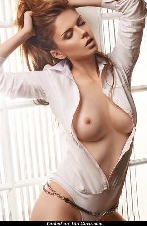 Image. Nude hot lady with natural tittys pic