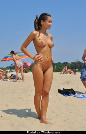 Sweet Moll with Sweet Naked Natural Regular Hooters on the Beach (Private Sex Pix)