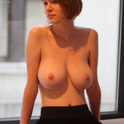 Amazing woman with big natural tittys pic