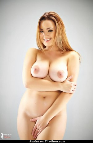 Jodie Gasson - naked hot lady with big natural tittes photo