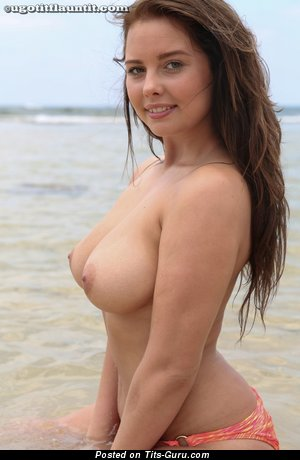 Kym Graham - Fine British Babe with Fine Naked Real Med Boobie (18+ Foto)