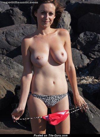 Elegant Dame with Elegant Bare Natural Dd Size Chest (Voyeur Hd Porn Photo)