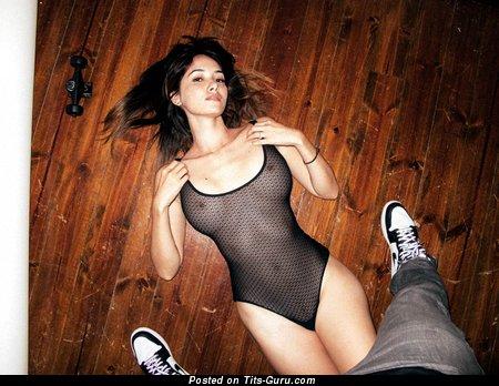 Sara malakul lane boobs