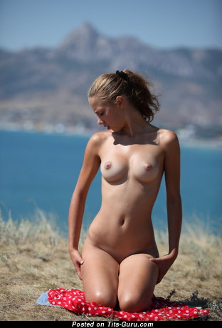 Naked amazing female with medium natural breast picture