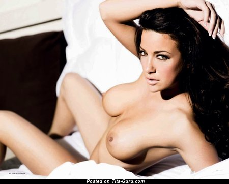 Sophia Cahill - Awesome American Brunette with Awesome Bald Normal Tittes (Hd Xxx Foto)