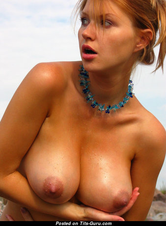 Grand Wet & Topless Blonde with Grand Open Real Normal Boob & Enormous Nipples on the Beach (Hd 18+ Wallpaper)