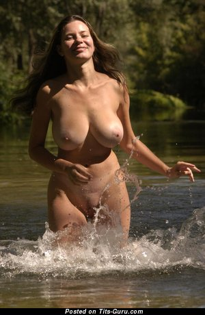 Image. Gigi - naked awesome girl with big natural tittes pic