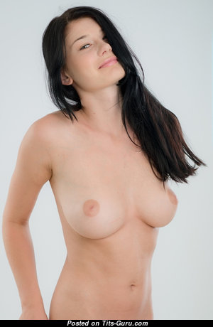 Grand Babe with Grand Nude Natural Boob (Sex Image)