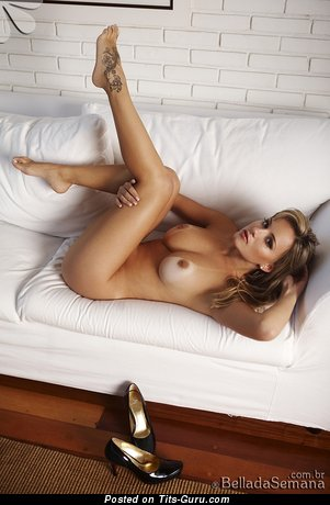 Stunning Lassie with Stunning Naked Soft Tit (Sexual Picture)