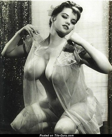 Fine Lassie with Amazing Naked Real Great Tittes (Vintage Sex Photoshoot)