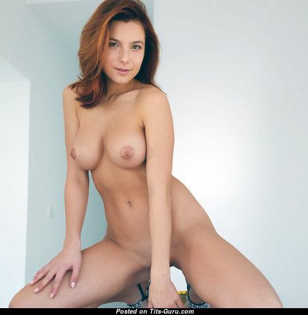 Good-Looking Undressed Babe (18+ Photoshoot)