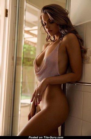 Sweet Non-Nude Babe (Hd 18+ Photo)