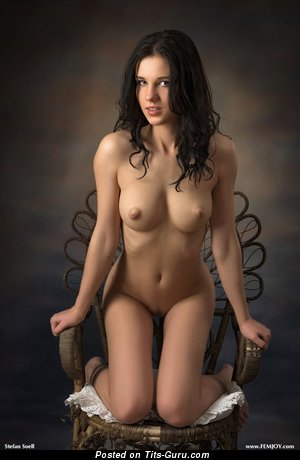 Image. Nude hot woman with medium natural boobs pic