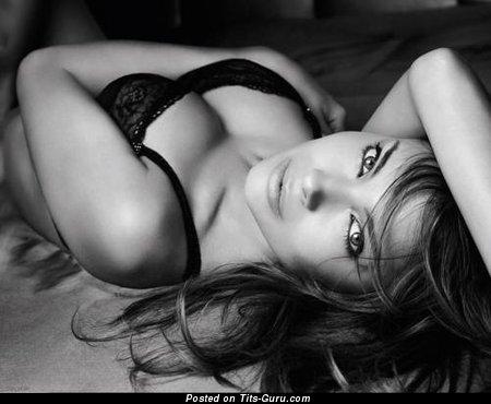 Exquisite Miss with Exquisite Defenseless Natural Boobies (18+ Photo)