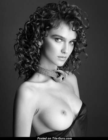 Fascinating Glamour Undressed Babe (Porn Picture)