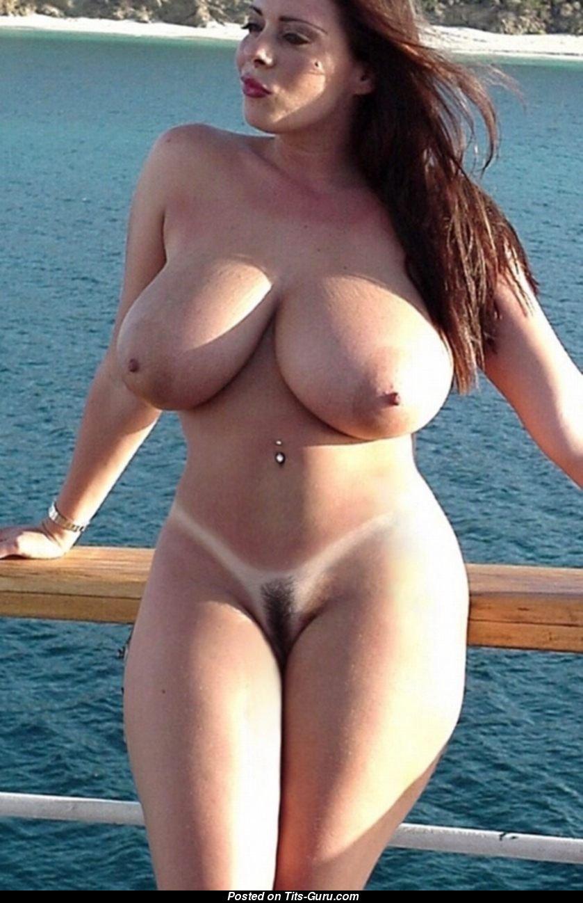 Beautiful hot girl wide hips big boobs nude porn