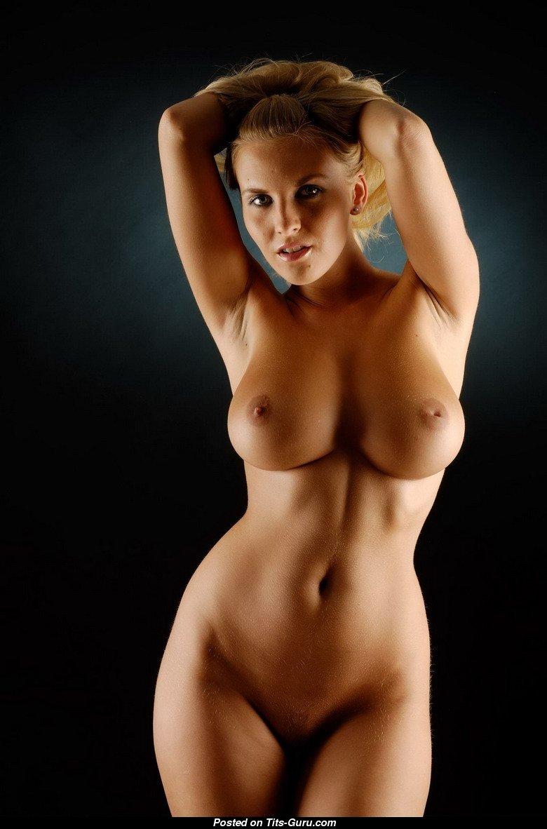 idealnie-golie-devki