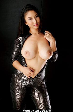 Yuri Honma - Beautiful Topless Japanese Brunette Actress & Pornstar with Erect Nipples (Xxx Foto)