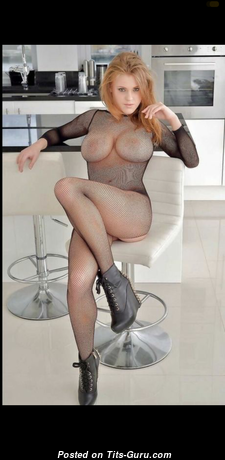 Handsome Topless Blonde Babe in Socks (Hd Porn Foto)