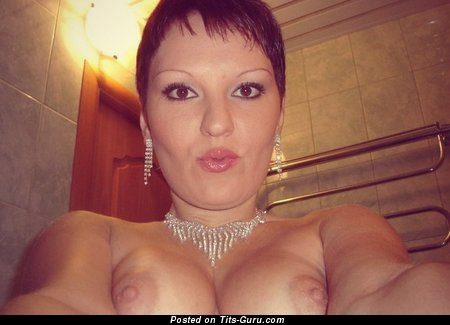 Image. Nude awesome lady with natural tittes picture