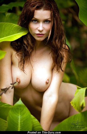 Heather Vandeven - sexy nude red hair with medium natural boobs photo