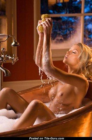 Heather Rae Young - Splendid Wet Nude Blonde (Sex Pix)