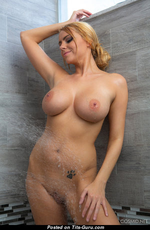 Amazing Glamour & Wet Undressed Blonde in High Heels in the Shower (Hd Sex Photoshoot)