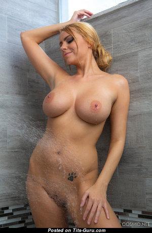 Dazzling Wet & Glamour Undressed Blonde in High Heels in the Shower (Hd Sex Pix)
