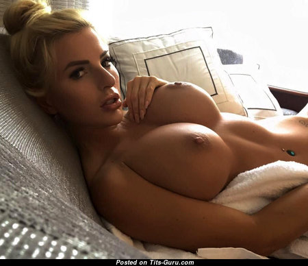Alluring Undressed Blonde Babe (Hd Sex Picture)