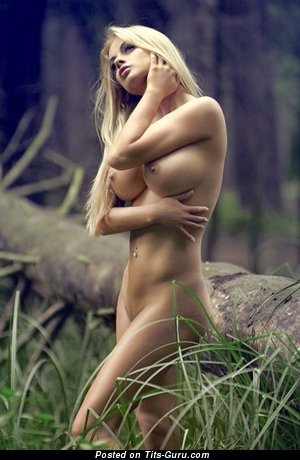 Image. Naked wonderful woman pic