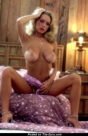 Изображение. Kym Malin - картинка горячей голой тёлки с большой грудью