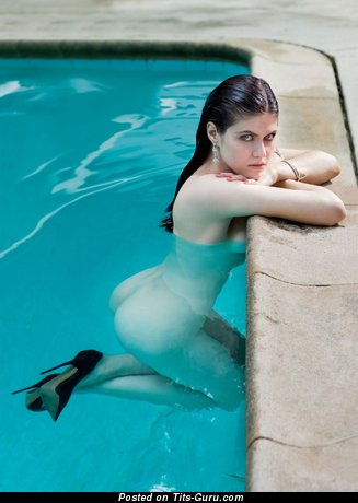 Alexandra Daddario: wet topless brunette with medium natural tittes & big nipples vintage
