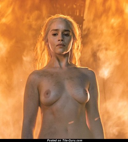 Emilia Clarke - Charming British Blonde Actress & Babe with Alluring Exposed Real Modest Jugs (Hd Sex Photo)