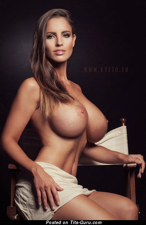 Image. Naked beautiful lady with huge fake tittes pic