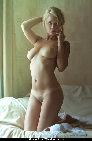 Image. Nude hot lady with medium natural boob image