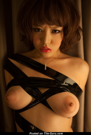 Image. Mao Hamasaki - naked asian with medium natural breast pic