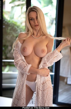 Katya (photodromm) - Charming Blonde Babe with Charming Naked Normal Balloons in Lingerie (Hd Xxx Photo)