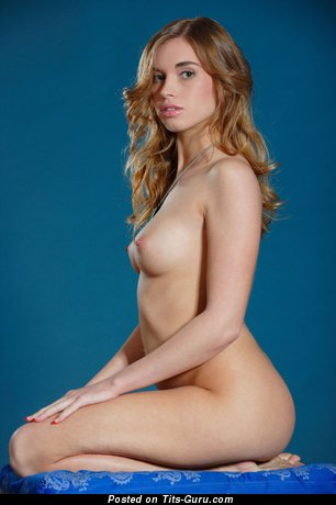 Image. Naked awesome girl with natural boobs pic